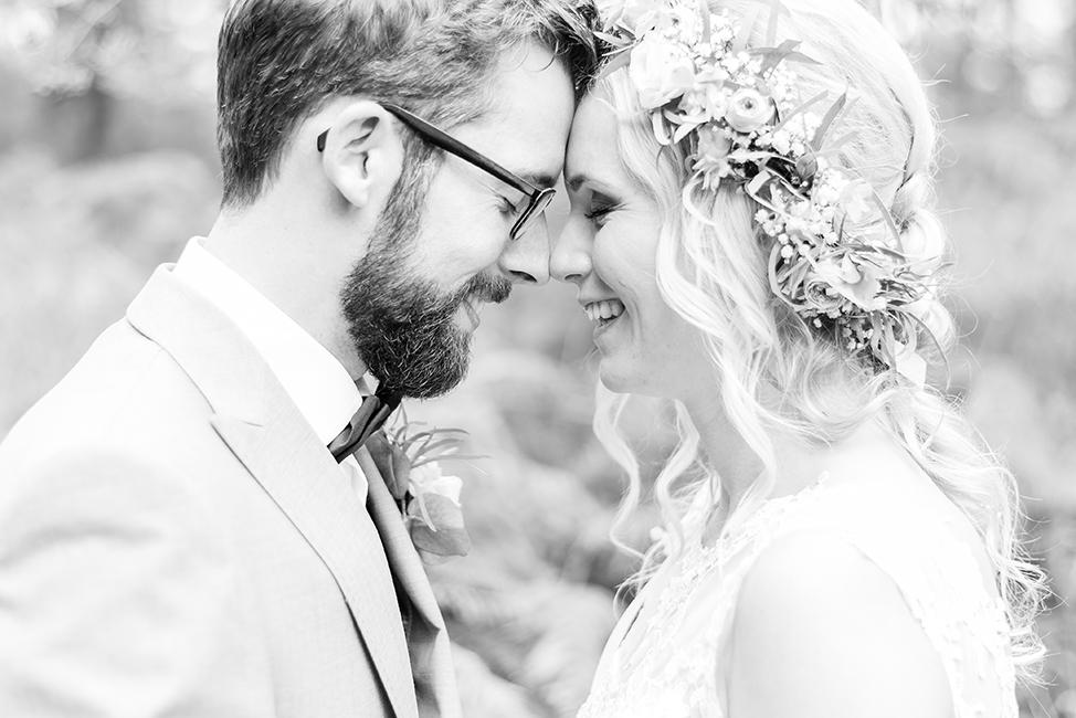 trouwen bloemenkrans bruidsfotograaf noord Holland hoorn