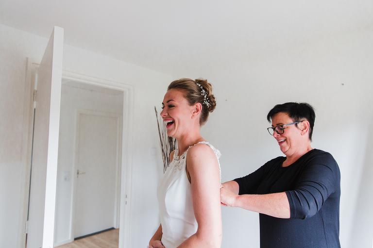aankleding bruid drachten fotograaf